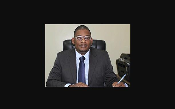patrick pengel, minister van volksgezondheid, suriname