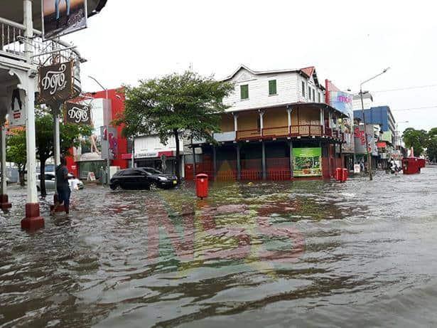 suriname, wateroverlast, regen, paramaribo8