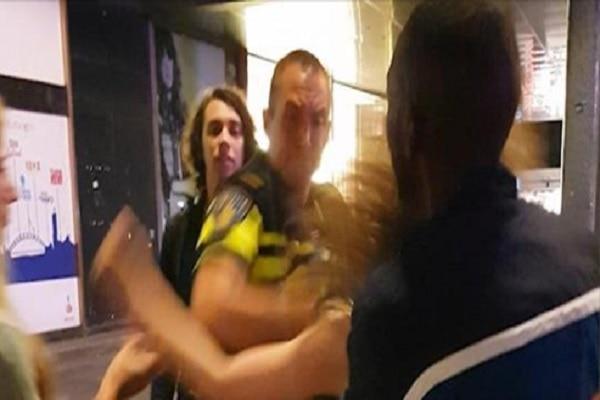 politie, klappen, agressie, vrouw, geweld, rotterdam