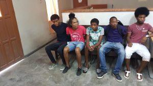 surinaamse jongeren domineestraat, suriname, opgepakt-